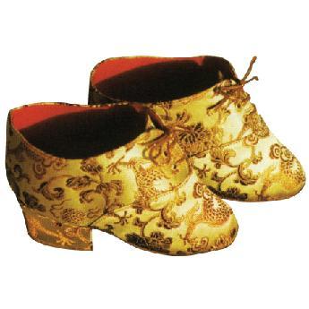전족한여성들이신었던신발